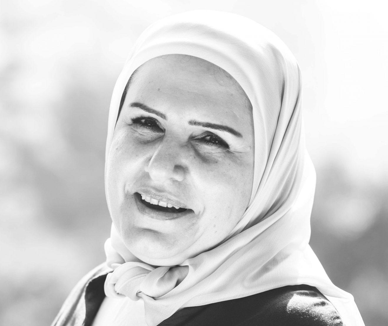 بادية فحص - صحافية وكاتبة لبنانية