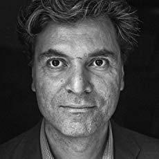 فيكين شيتريان - صحافي وكاتب أرمني