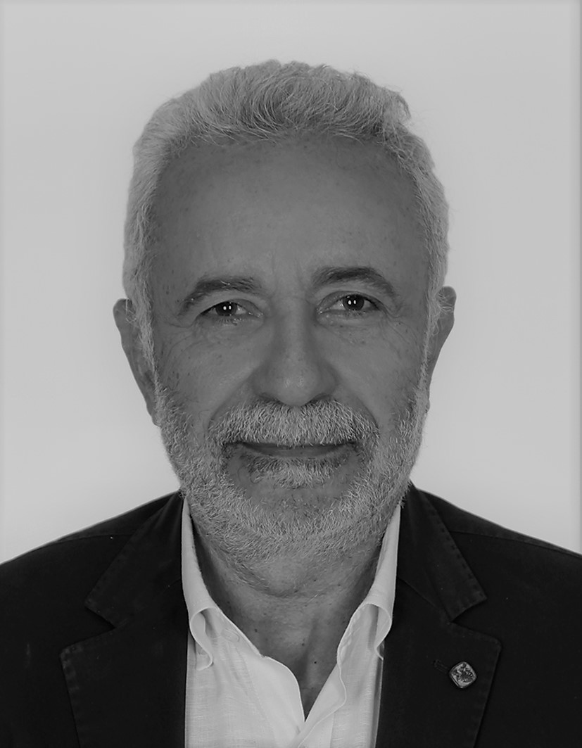 عدنان الأمين - أستاذ جامعي لبناني