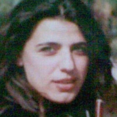 سنا بزيع - صحافية وكاتبة لبنانية