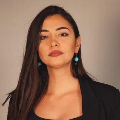 سنا السبلاني - صحافية لبنانية