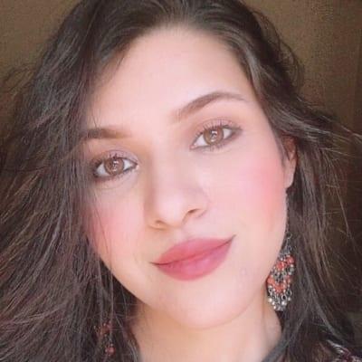 آية منصور - صحافية عراقية
