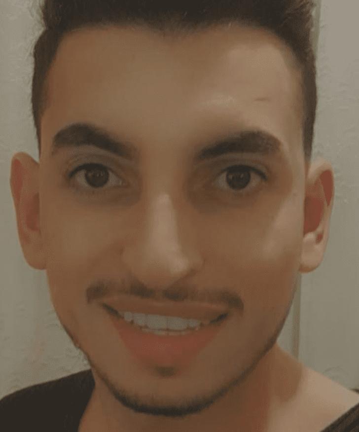 آدم المصري - مدون لبناني